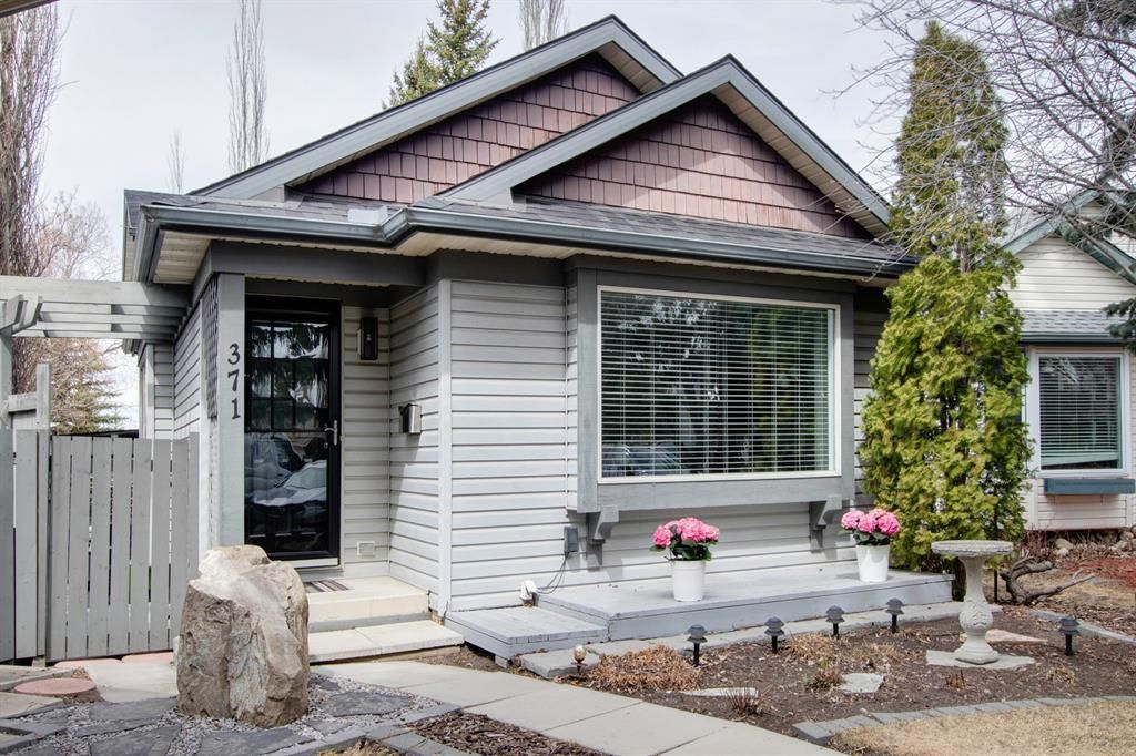 Main Photo: 371 Scenic Glen Place NW in Calgary: Scenic Acres Detached for sale : MLS®# A1089933