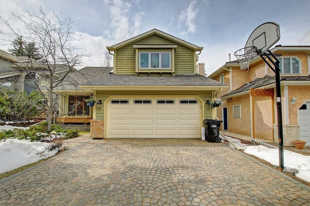 Main Photo: 153 SHAWNEE Court SW in Calgary: Shawnee Slopes Detached for sale : MLS®# C4242330