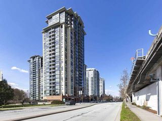 """Photo 5: 1812 10777 UNIVERSITY Drive in Surrey: Whalley Condo for sale in """"City Point"""" (North Surrey)  : MLS®# R2182204"""