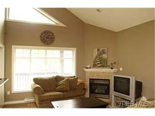 Photo 2:  in VICTORIA: La Bear Mountain Row/Townhouse for sale (Langford)  : MLS®# 430651