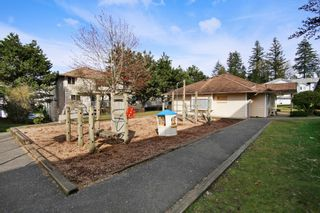 """Photo 19: 44 3087 IMMEL Street in Abbotsford: Central Abbotsford Townhouse for sale in """"Clayburn Estates"""" : MLS®# R2147621"""