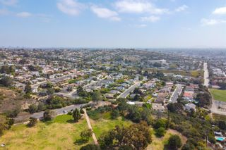 Photo 4: PACIFIC BEACH House for sale : 6 bedrooms : 2176 Balfour Ct in San Diego