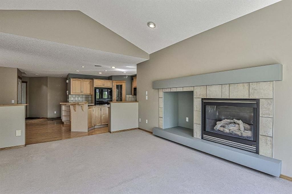 Photo 20: Photos: 106 Everwillow Close SW in Calgary: Evergreen Detached for sale : MLS®# A1116249
