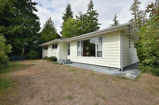 Photo 1: 5591 INLET Avenue in Sechelt: Sechelt District House for sale (Sunshine Coast)  : MLS®# R2616464