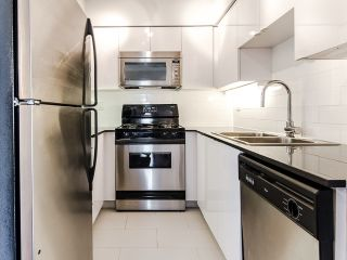 """Photo 11: 2005 63 KEEFER Place in Vancouver: Downtown VW Condo for sale in """"EUROPA"""" (Vancouver West)  : MLS®# R2039893"""
