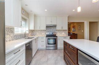Photo 11: 4421 Bartholomew Pl in VICTORIA: SE Gordon Head House for sale (Saanich East)  : MLS®# 799913