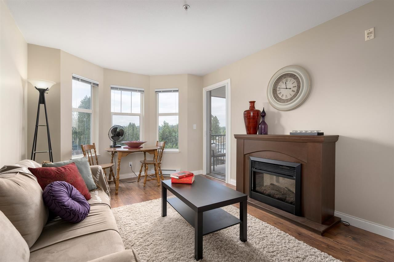 """Photo 3: Photos: 312 5438 198 Street in Langley: Langley City Condo for sale in """"CREEKSIDE ESTATES"""" : MLS®# R2394421"""
