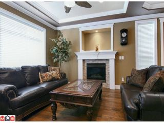 Photo 3: 36537 CARNARVON Court in Abbotsford: Abbotsford East House for sale : MLS®# F1020525