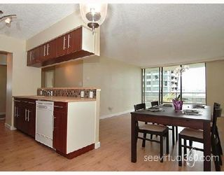 """Photo 1: 306 4353 HALIFAX Street in Burnaby: Central BN Condo for sale in """"BRENT GARDENS"""" (Burnaby North)  : MLS®# V653089"""
