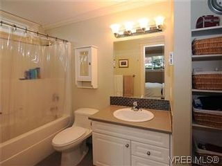 Photo 13: 5 2310 Wark St in VICTORIA: Vi Central Park Row/Townhouse for sale (Victoria)  : MLS®# 567630