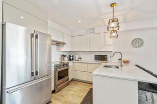 """Photo 4: 424 5880 DOVER Crescent in Richmond: Riverdale RI Condo for sale in """"WATERSIDE"""" : MLS®# R2618626"""