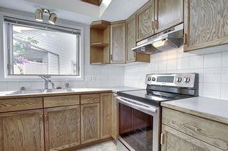 Photo 5: 10 DOUGLAS WOODS Park SE in Calgary: Douglasdale/Glen Semi Detached for sale : MLS®# C4305563