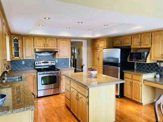 """Photo 5: 13381 MARINE Drive in Surrey: Crescent Bch Ocean Pk. House for sale in """"Ocean Park"""" (South Surrey White Rock)  : MLS®# R2546593"""
