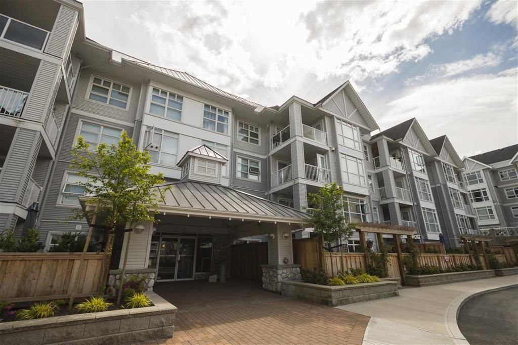 """Photo 1: Photos: 205 3148 ST JOHNS Street in Port Moody: Port Moody Centre Condo for sale in """"SONRISA"""" : MLS®# R2560726"""
