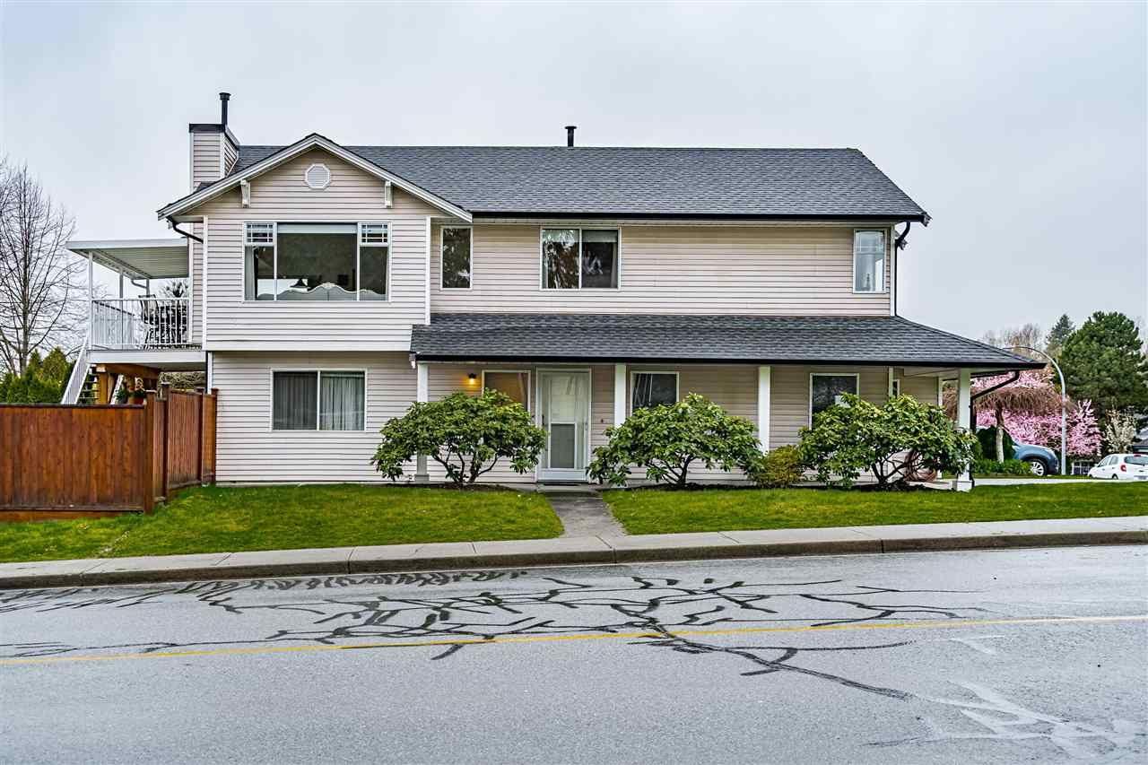 Main Photo: 19588 114B Avenue in Pitt Meadows: South Meadows House for sale : MLS®# R2582392