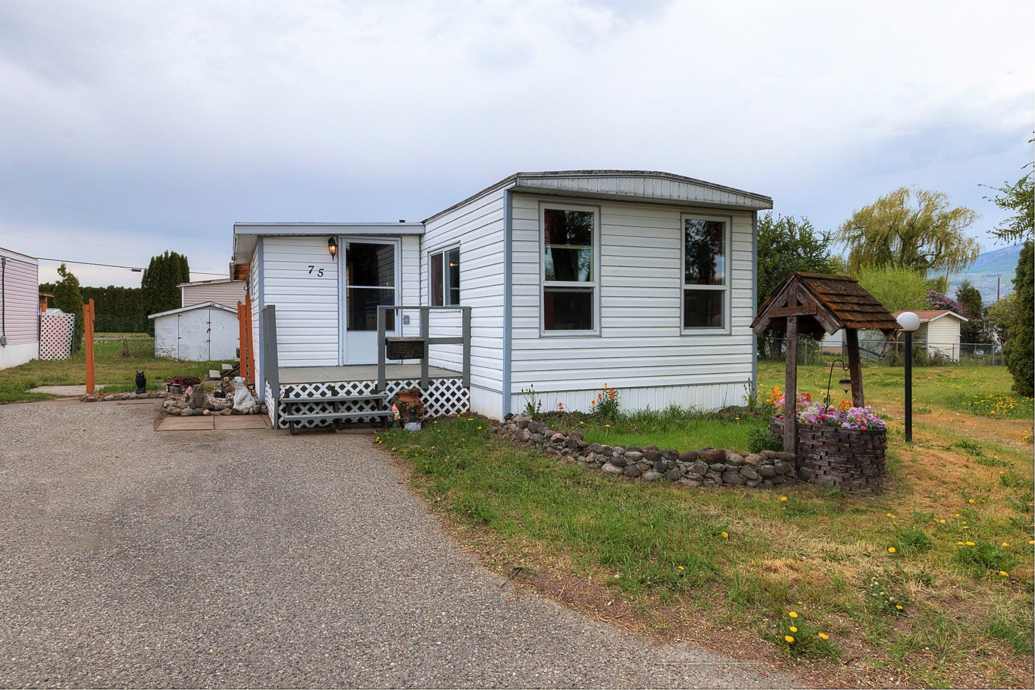Main Photo: 75 2005 Boucherie Road in West Kelowna: Lakeview Heights House for sale (Central Okanagan)  : MLS®# 10158687