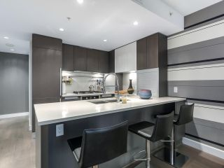 """Photo 6: 1001 288 W 1ST Avenue in Vancouver: False Creek Condo for sale in """"The James Building"""" (Vancouver West)  : MLS®# R2331453"""
