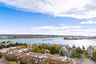 """Photo 1: 1401 1135 QUAYSIDE Drive in New Westminster: Quay Condo for sale in """"ANCHOR POINTE"""" : MLS®# R2538657"""