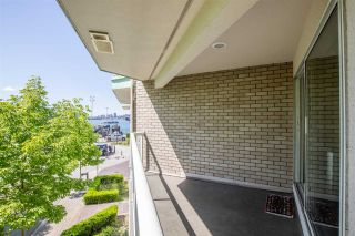 Main Photo: 3209 33 CHESTERFIELD Place in North Vancouver: Lower Lonsdale Condo for sale : MLS®# R2586091