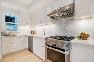 """Photo 10: 30 E 12TH Avenue in Vancouver: Mount Pleasant VE Townhouse for sale in """"West of Main"""" (Vancouver East)  : MLS®# R2617035"""