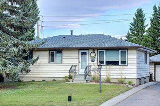 Main Photo: 4308 45 Street SW in Calgary: Glamorgan Detached for sale : MLS®# A1137160