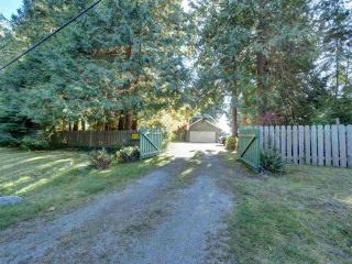 Photo 4: 7891 REDROOFFS Road in Halfmoon Bay: Halfmn Bay Secret Cv Redroofs House for sale (Sunshine Coast)  : MLS®# R2507576