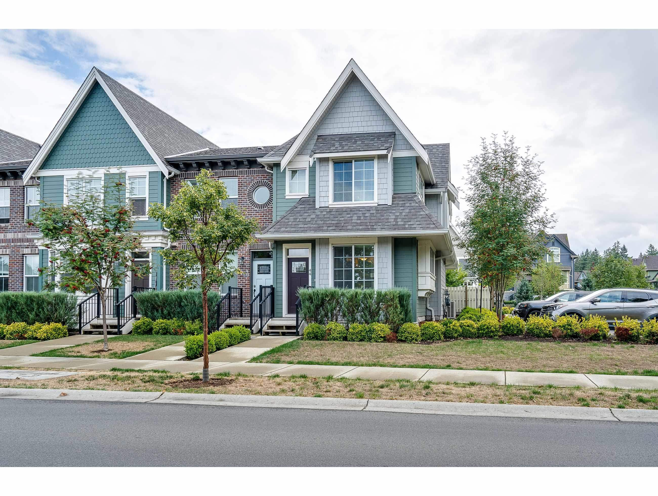 """Main Photo: 44 45462 TAMIHI Way in Chilliwack: Vedder S Watson-Promontory Townhouse for sale in """"BRIXTON"""" (Sardis)  : MLS®# R2613762"""
