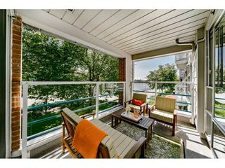 """Photo 1: 213 1990 S E KENT Avenue in Vancouver: South Marine Condo for sale in """"Harbour House at Tugboat Landing"""" (Vancouver East)  : MLS®# R2398371"""