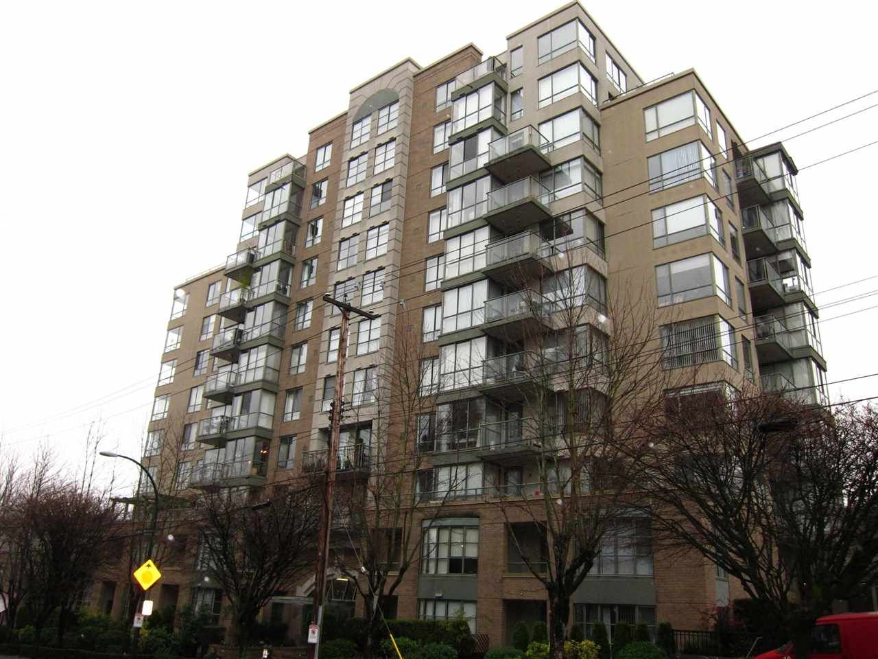 "Main Photo: 403 2288 PINE Street in Vancouver: Fairview VW Condo for sale in ""The Fairview"" (Vancouver West)  : MLS®# R2546648"
