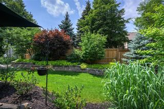 Photo 2: 15 696 W COMMISSIONERS Road in London: South M Residential for sale (South)  : MLS®# 40168772