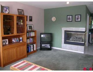 "Photo 7: 15331 80A AV in Surrey: Fleetwood Tynehead House for sale in ""SOUTH FLEETWOOD"" : MLS®# F2616282"