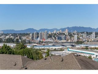 """Photo 2: 42 11860 RIVER Road in Surrey: Royal Heights Townhouse for sale in """"Cypress Ridge"""" (North Surrey)  : MLS®# R2216703"""