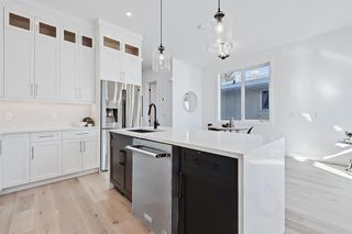 Photo 4: 2852 40 Street SW in Calgary: Glenbrook Semi Detached for sale : MLS®# A1075918