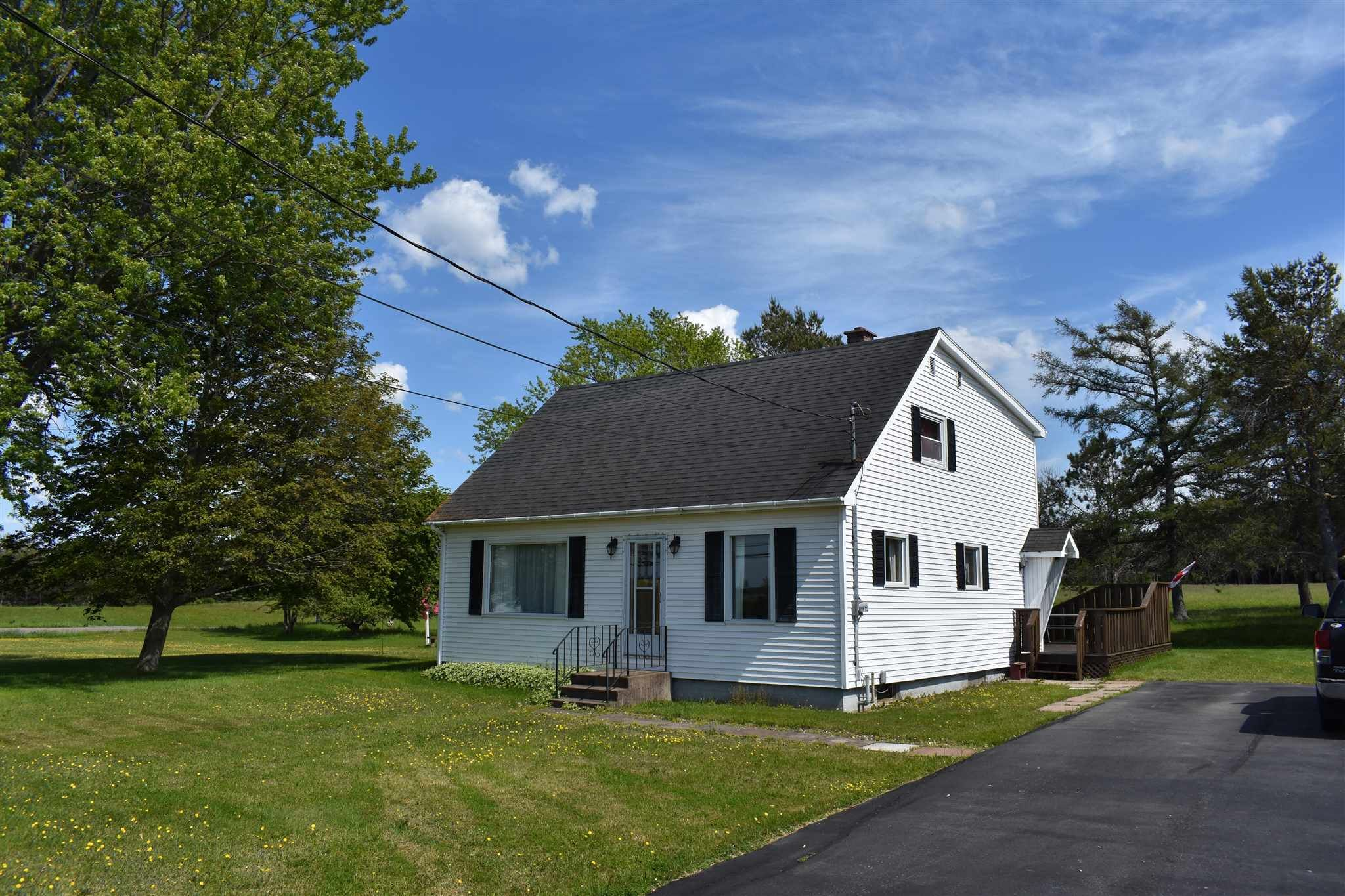 Main Photo: 1474 Southampton Road in West Amherst: 101-Amherst,Brookdale,Warren Residential for sale (Northern Region)  : MLS®# 202115040