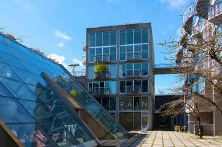 """Photo 15: 305 1540 W 2ND Avenue in Vancouver: False Creek Townhouse for sale in """"WATERFALL"""" (Vancouver West)  : MLS®# R2446615"""