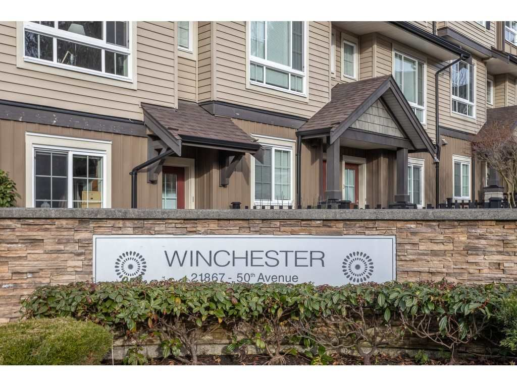 "Main Photo: 33 21867 50 Avenue in Langley: Murrayville Townhouse for sale in ""Murrayville's Winchester"" : MLS®# R2531556"