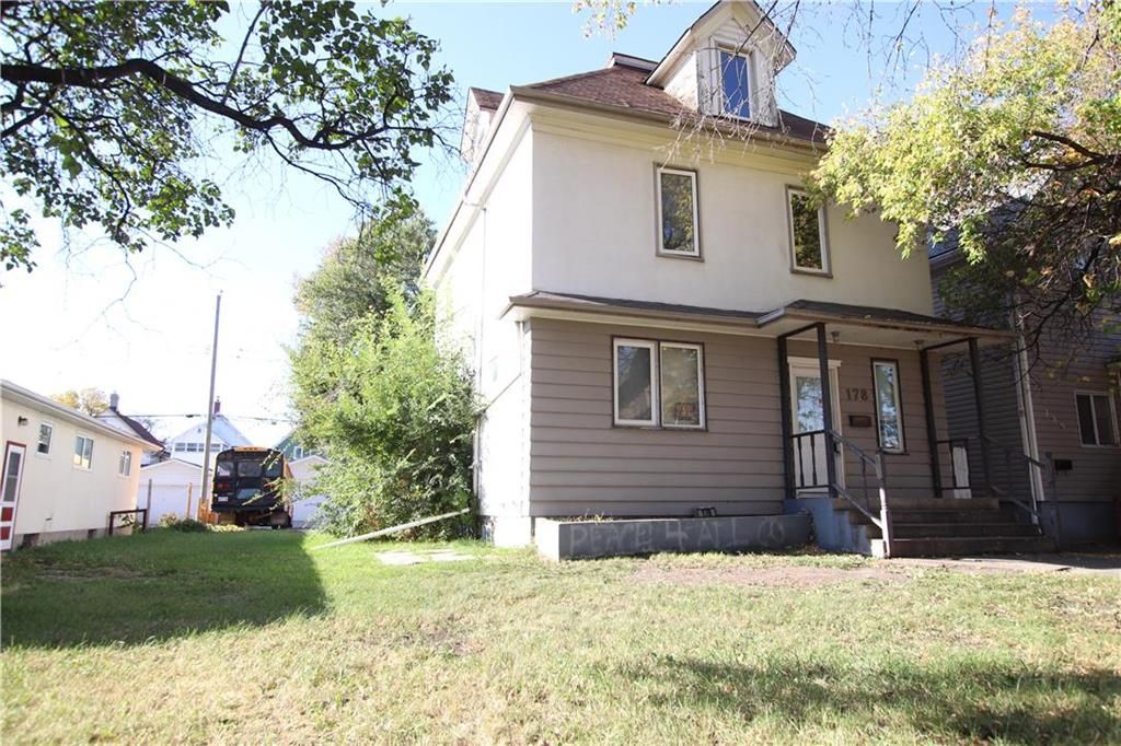 Main Photo: 178 Lansdowne Avenue in Winnipeg: Scotia Heights Residential for sale (4D)  : MLS®# 202124352