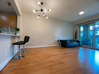 """Photo 1: 304 7428 BYRNEPARK Walk in Burnaby: South Slope Condo for sale in """"GREEN"""" (Burnaby South)  : MLS®# R2604124"""