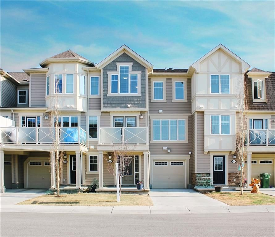 Main Photo: 146 WINDSTONE Mews SW: Airdrie Row/Townhouse for sale : MLS®# C4305221