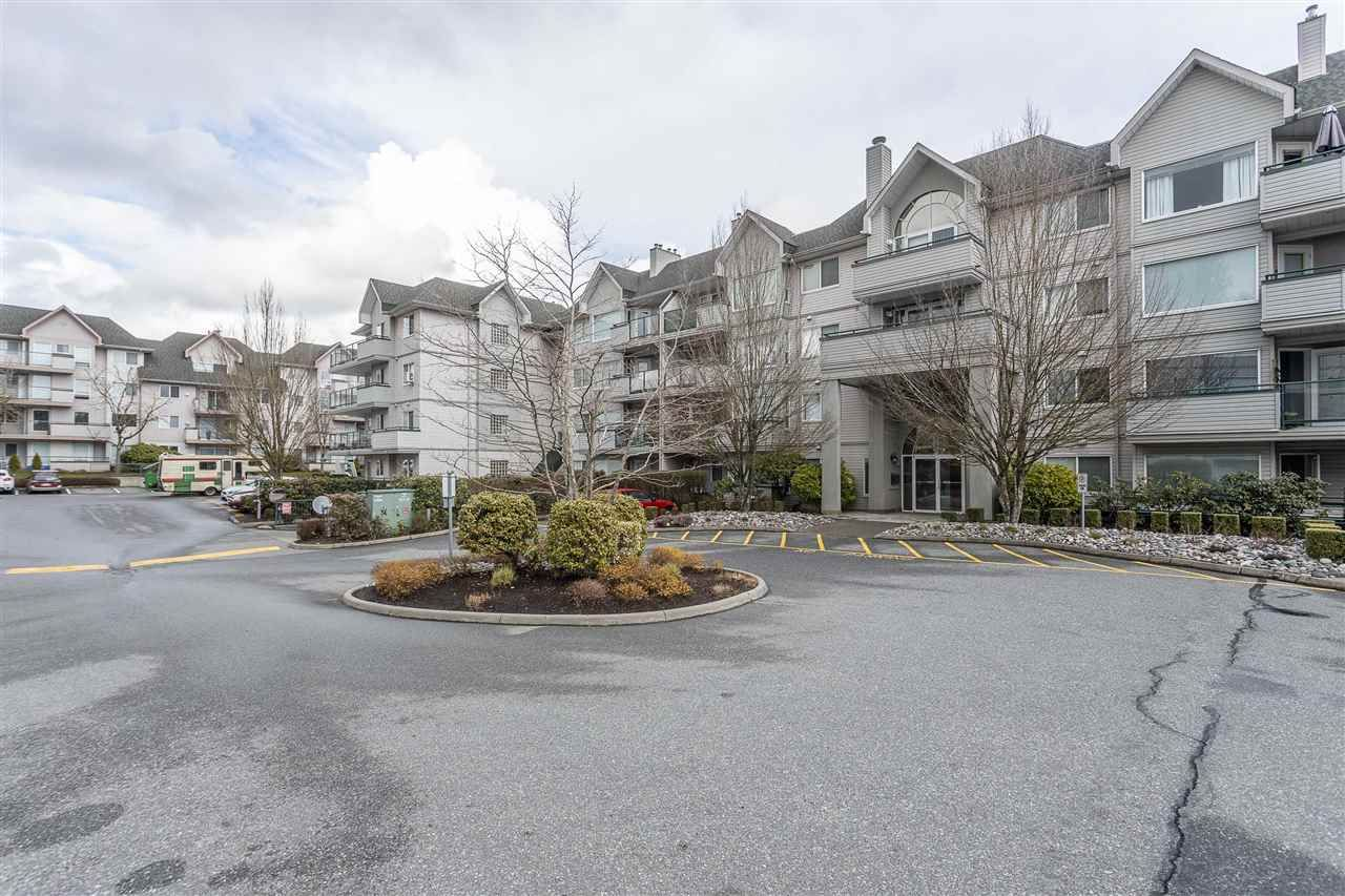 """Main Photo: 306 33718 KING Road in Abbotsford: Central Abbotsford Condo for sale in """"College Park Place"""" : MLS®# R2447601"""