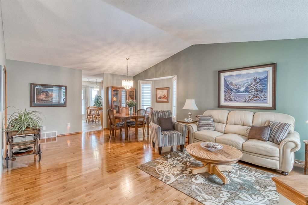 Main Photo: 210 Arbour Cliff Close NW in Calgary: Arbour Lake Semi Detached for sale : MLS®# A1086025