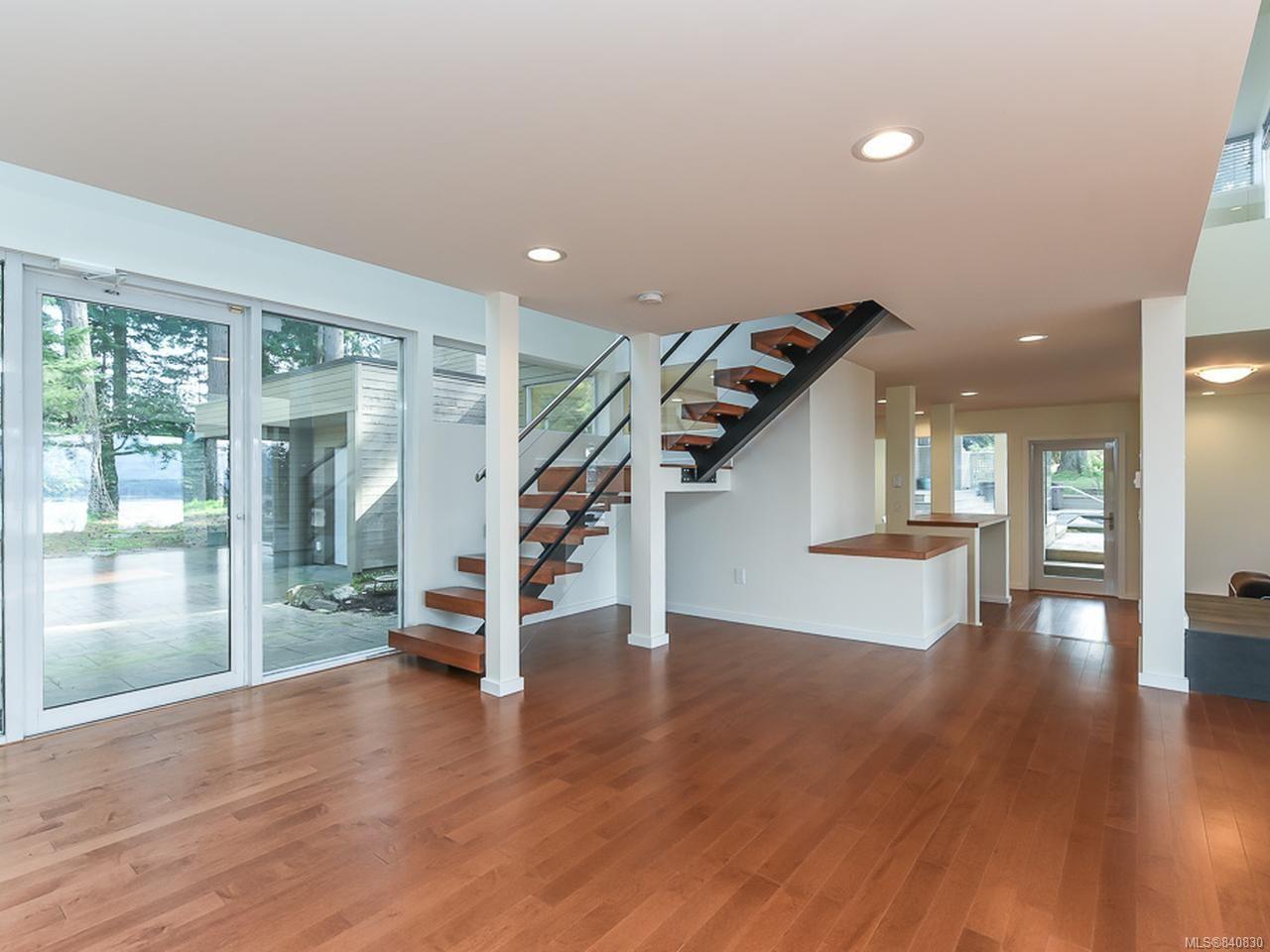 Photo 11: Photos: 1156 Moore Rd in COMOX: CV Comox Peninsula House for sale (Comox Valley)  : MLS®# 840830