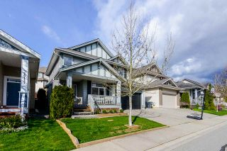 """Photo 2: 20163 69 Avenue in Langley: Willoughby Heights House for sale in """"Jefferies Brook"""" : MLS®# R2557300"""