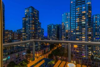 """Photo 10: 1403 928 RICHARDS Street in Vancouver: Yaletown Condo for sale in """"THE SAVOY"""" (Vancouver West)  : MLS®# R2461037"""