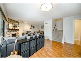 """Photo 5: 40 9101 FOREST GROVE Drive in Burnaby: Forest Hills BN Townhouse for sale in """"ROSSMOOR"""" (Burnaby North)  : MLS®# R2374547"""
