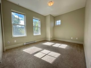 """Photo 10: 201 4135 SARDIS Street in Burnaby: Central Park BS Townhouse for sale in """"Paddington House"""" (Burnaby South)  : MLS®# R2620572"""