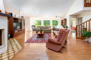 Photo 12: 304 Walton Pl in : SW Elk Lake House for sale (Saanich West)  : MLS®# 879637