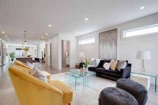 Photo 15: 2114 3 Avenue NW in Calgary: West Hillhurst Detached for sale : MLS®# A1092999