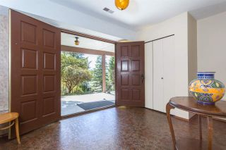 Photo 3: 653 FORESTHILL Place in Port Moody: North Shore Pt Moody House for sale : MLS®# R2053340