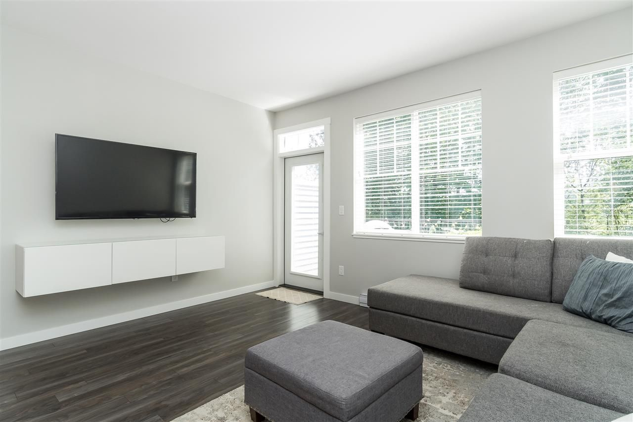 """Photo 13: Photos: 13 2850 MCCALLUM Road in Abbotsford: Central Abbotsford Townhouse for sale in """"Urban Hillside"""" : MLS®# R2478598"""